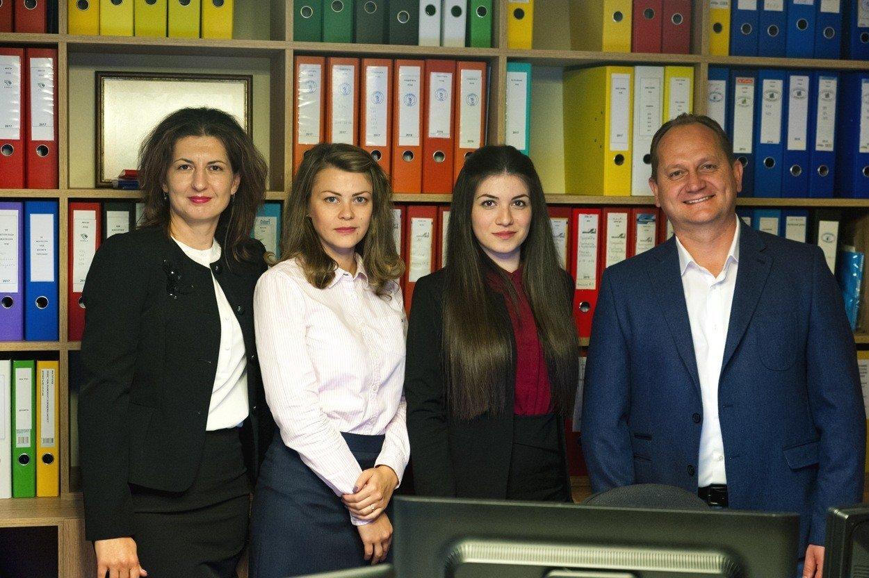 Екип Мирчев Акаунтинг